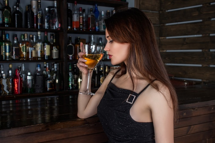 Woman-Drinking-Cocktail
