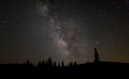 milky-way-over-tuolumne-meadows