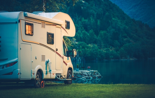 RV-by-lake.jpg