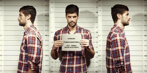 A photo showing criminal mugshots of a man.